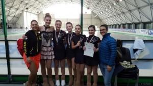 Campionati provinciali Solo Dance Internazionale FIHP, le atlete soddisfatte dopo le gare con l'allenatrice